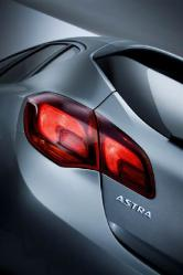 Opel_Astra_Innovation_2.0_CDTI-4.jpg