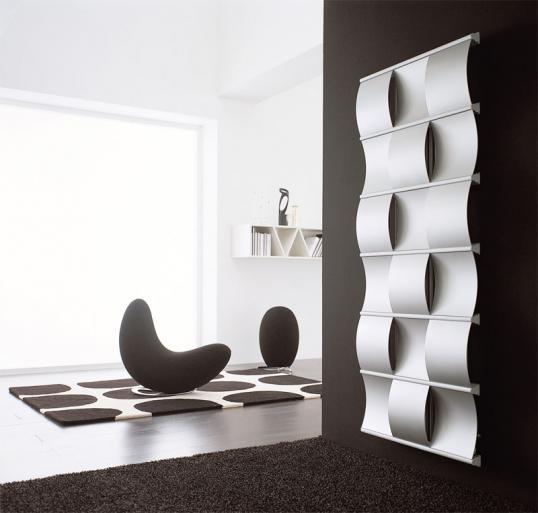 Lange Galt Für Standardheizkörper, Dass Sie Sich In Weißen Einheitsfarben  Am Besten Schön Unauffällig An Die Wand Anpassen Sollten.