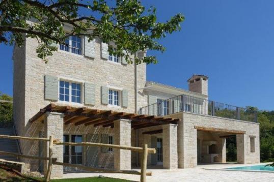Wer Ein Haus Bauen Möchte, Muss Sich Darüber Gedanken Machen, Welche  Baustoffe Zum Einsatz Kommen Sollen: Holz, Ziegel Oder Beton.
